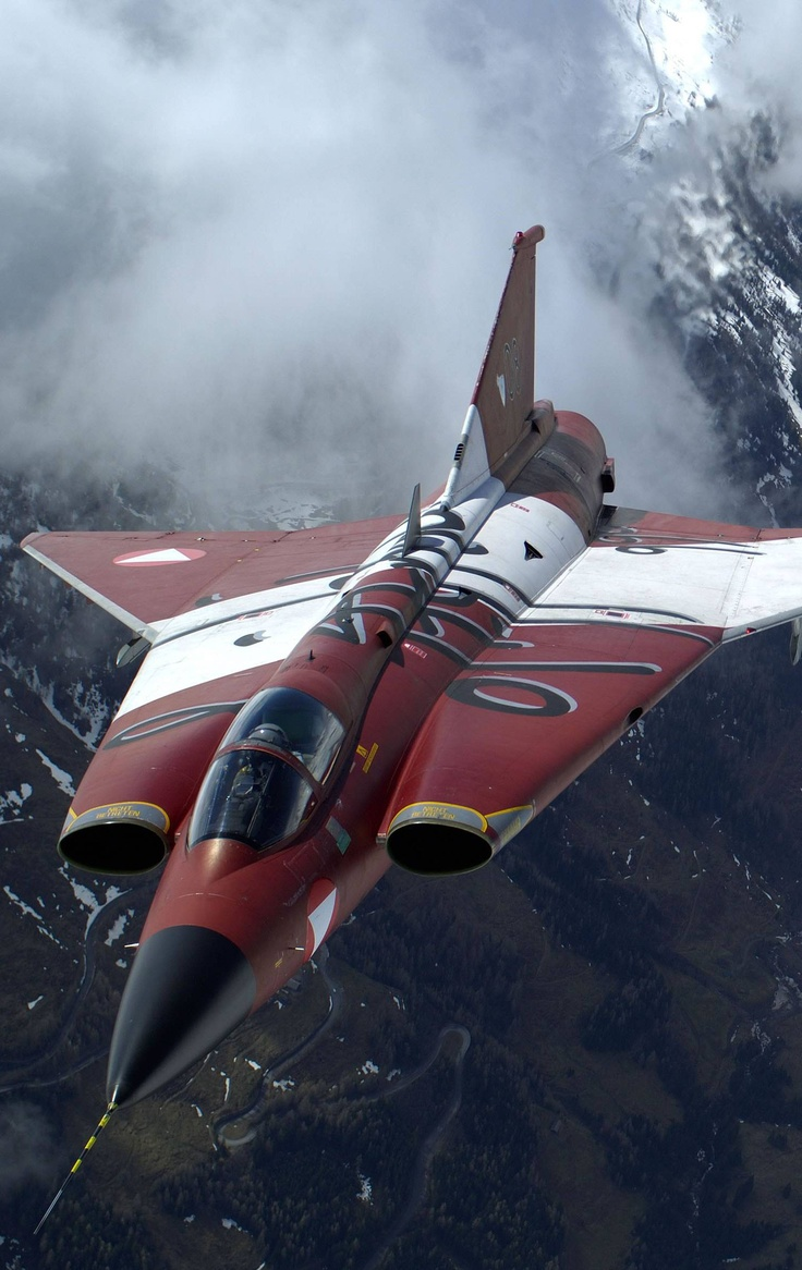♂  Red #aircraft #plane #wings