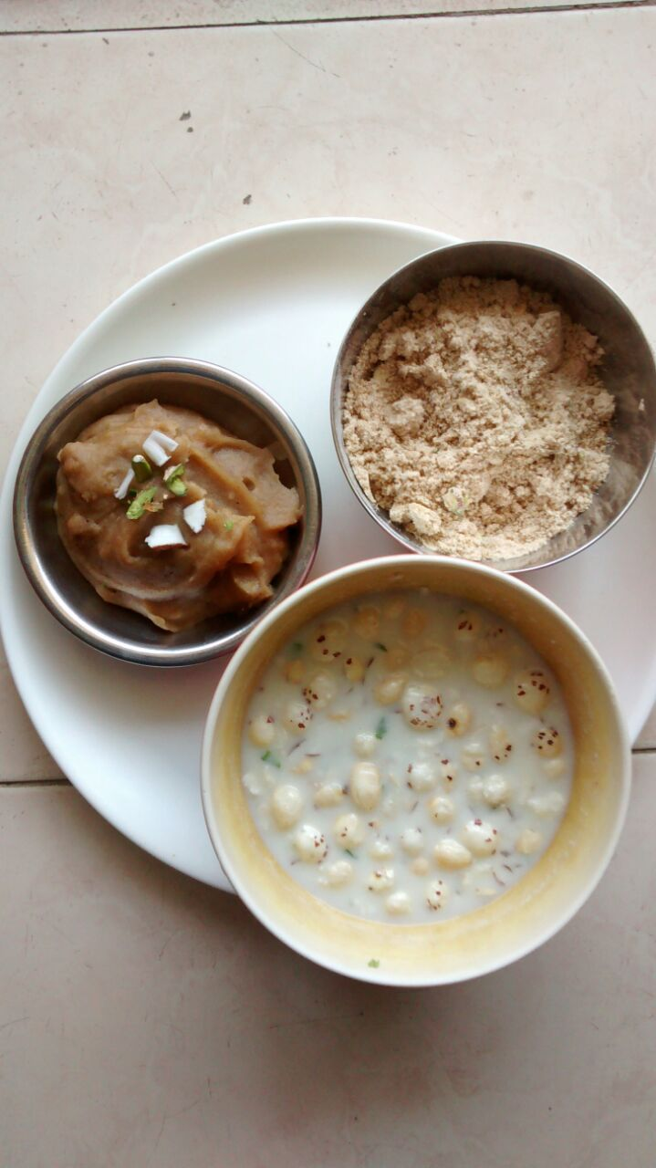 Navratri Bhog - Atta Halwa, Atta panjiri, Panchamrit. Woohoo totally mouth watering on a cool March morning