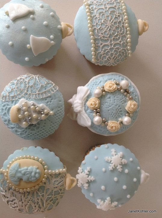 Blue theme for Christmas cupcakes