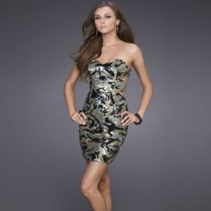 DESIGN & FEATURES OF CAMO PROM DRESSES