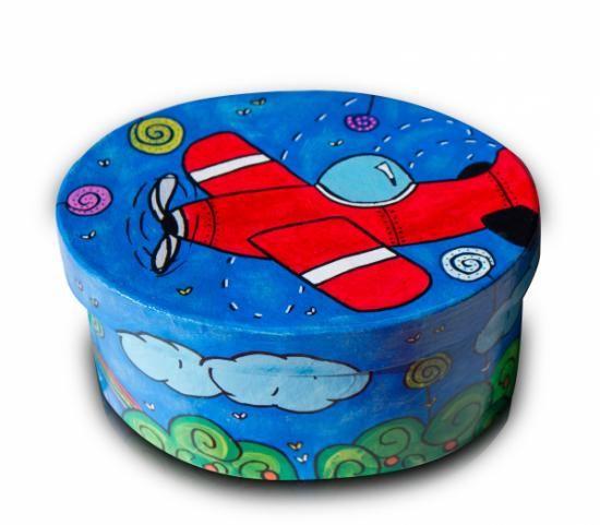 Caja cart n ovalada pintada con acrilicos caja de cart n - Manualidades pintar caja metal ...