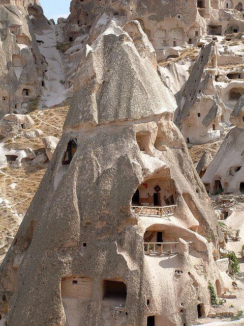 世界遺産 ウチヒサル ギョレメ国立公園とカッパドキアの岩窟群の絶景写真画像 トルコ