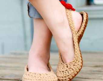 Crochet Slipper Pattern Slingbacks Woman sizes 3-12 by Mamachee
