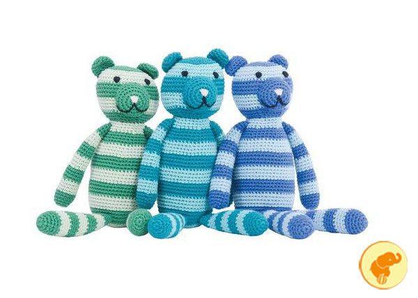 Orsetto tricot, disegnato in Danimarca e  realizzato a mano, cm.25 circa.  Acquista qui: http://www.zazieshop.it/collections/giocattoli/products/orsetti-tricot
