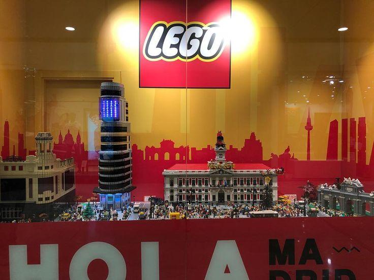 Madrid Lego!  #viaje #tryp #travel #viajar #Madrid #Spain #España #hotel #granvía #Callao #trafico #gente #felicidad #love #amor #buenacompañía #vistas #nofilter #lego #legoMadrid #lavaguada #centrocomercial