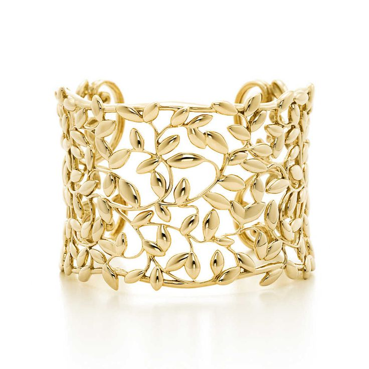 Paloma Picasso® Olive Leaf cuff in 18k gold.