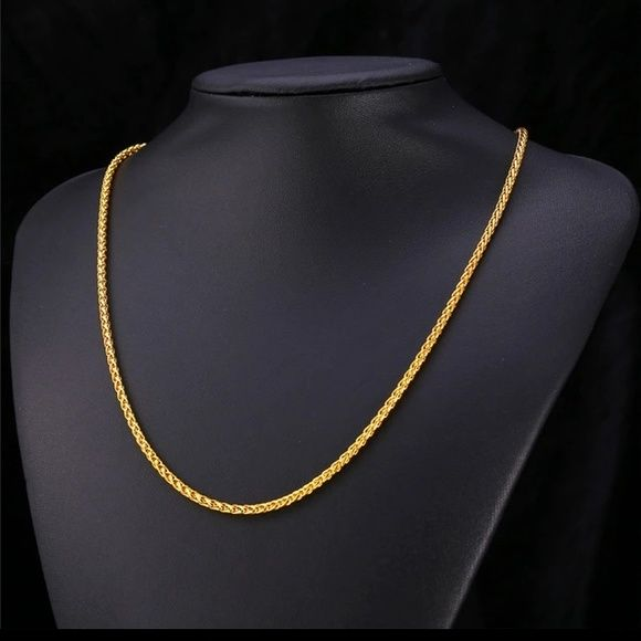 18k gold plated chain necklace for men Brand new . 18k real gold plated chain necklace for men .                                    Necklace length:22 inches Jewelry Necklaces