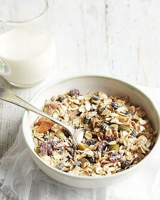 According to Michelle, muesli should be 100 per cent wholegrains, nuts, seeds and berries. Click through for the recipe for Michelle's best ever homemade muesli.