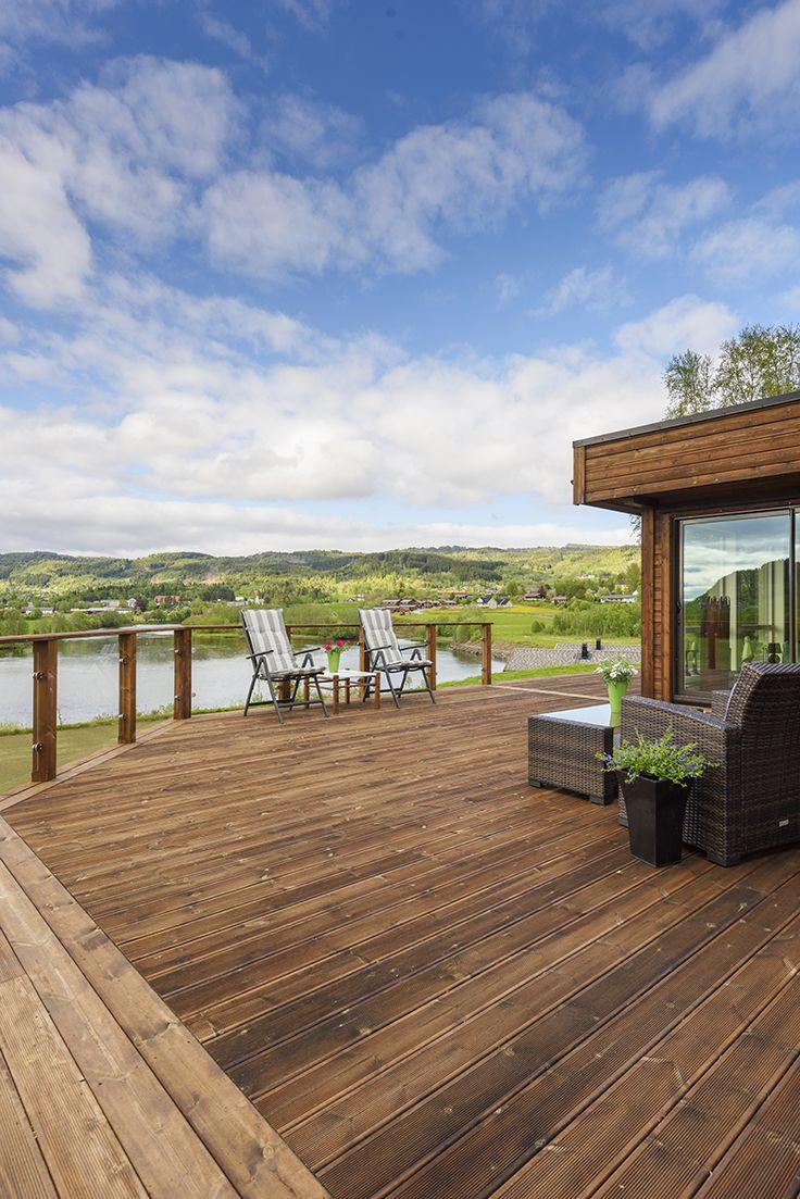 Rekkverk og terrasse
