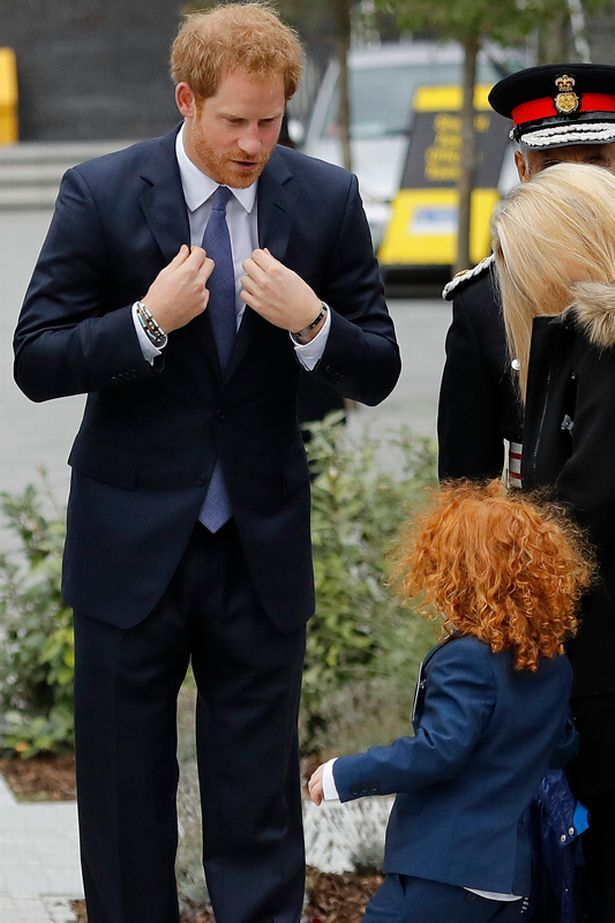 "Mirror Royal on Twitter: ""Prince Harry shares poignant moment with youngster at service to remember police"