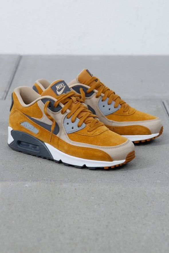 NIKE AIR MAX 90 PREMIUM, nike air max, nike, air, max, nike air, nike max, air max, woman air max, woman nike, woman nike air, woman trends, woman fashion, woman sneakers, woman shoes, sport, sport sneakers, just do it, footwear, woman footwear, sport footwear, footwear trends, ultra, 95, 90, official,