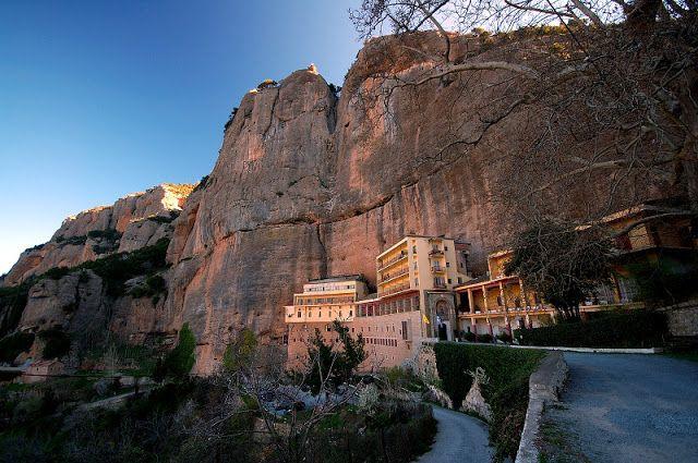 Παναγία Ιεροσολυμίτισσα: Η Ιερά Μονή Μεγάλου Σπηλαίου από τα σύμβολα της Ορ...