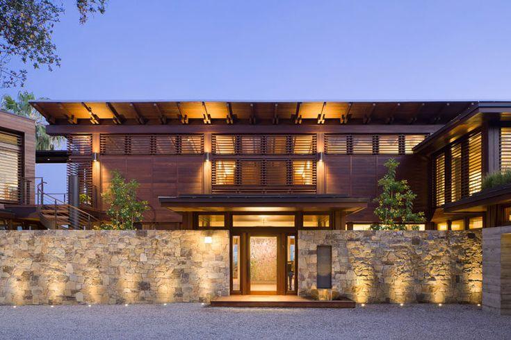 Oltre 25 fantastiche idee su architettura moderna di casa for Piani casa moderna collina