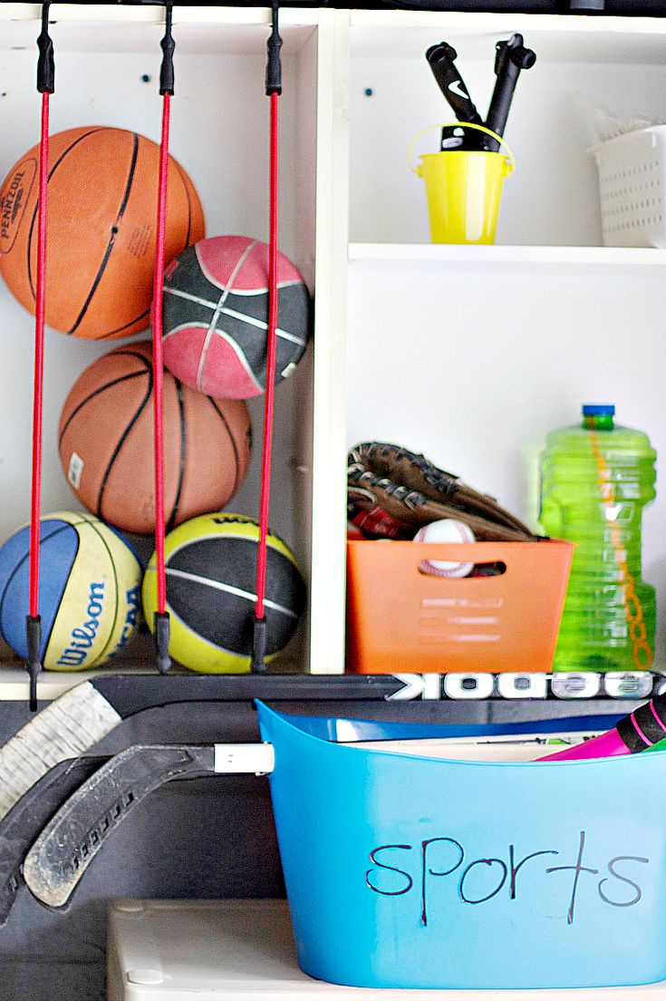 Getting your house organized doesn't have to be challenging! Professional organizer shares her tips on organization for the home! #organizationideas #organizing #homeorganizing #organizationtips #ABlissfulNest #InteriorDesign #Decorator #Stylist #Blissful #HappyHome #designtips
