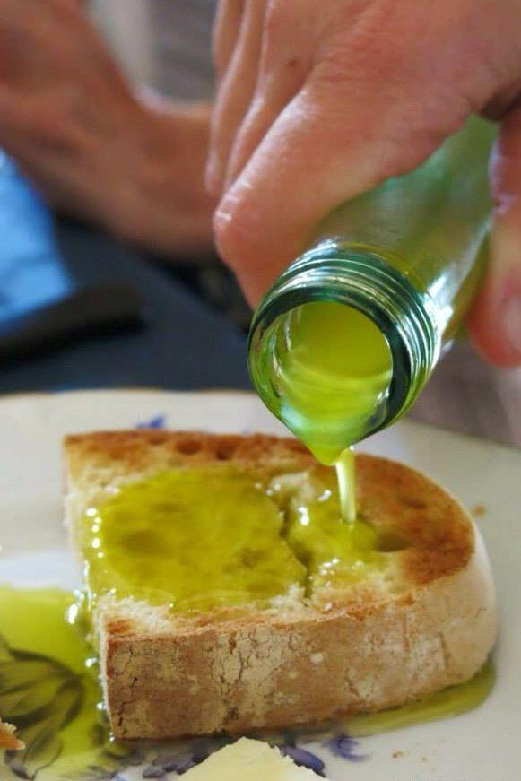 Fresh olio di oliva....pressed two days before in Impruneta!