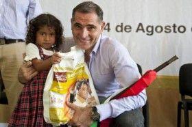 Útiles y Uniformes Escolares seguirán siendo gratuitos: Gabino Cué