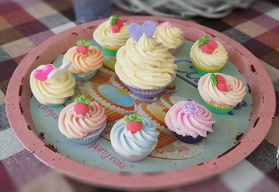 Free Shipping 16 Party Favors Cupcake Soap by AliceInWonderSpa
