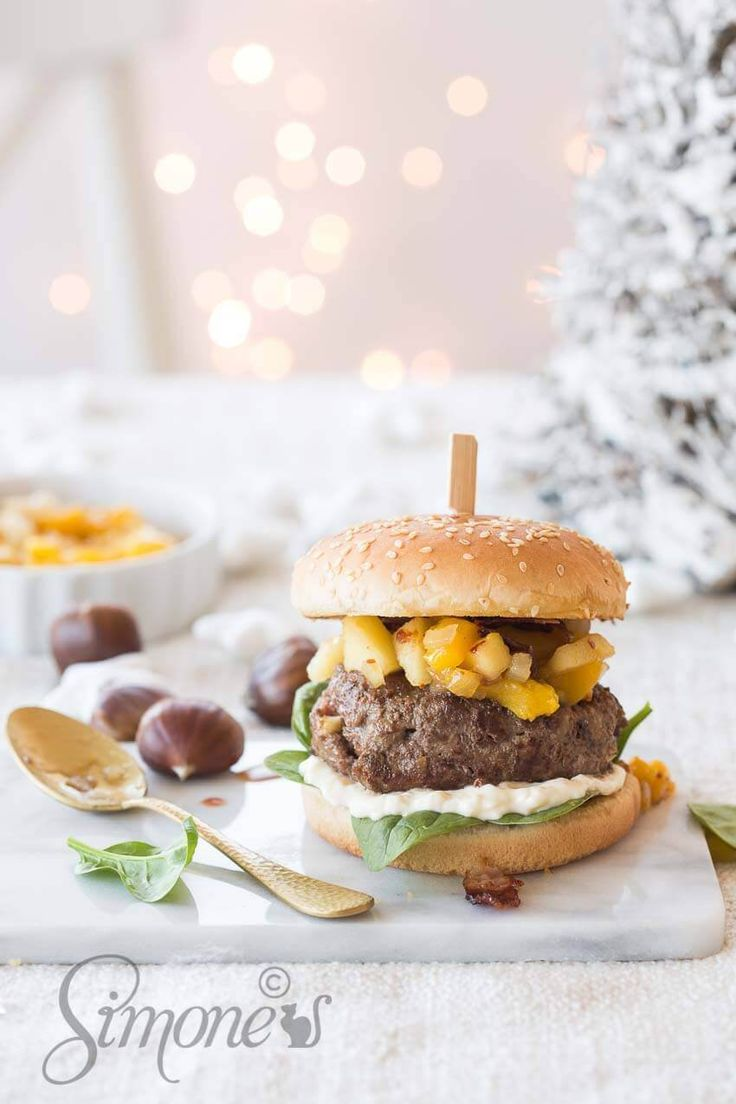 Christmas burger with chestnuts and mango chutney http://insimoneskitchen.com/christmas-burger-chestnuts-mango-chutney/