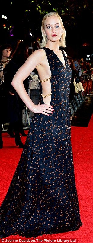 Jennifer Lawrence shows sideboob at The Hunger Games: Mockingjay UK premiere | Daily Mail Online