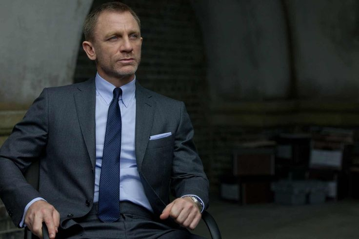 James Bond's Tom Ford shirt arrives at Selfridges. Keep your tie knot in place, Skyfall-style