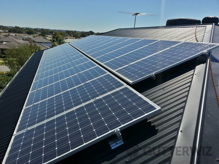 Cleans your solar panels using environmentally friendly pure water filtration system in Melbourne  area by gutter wiz.
