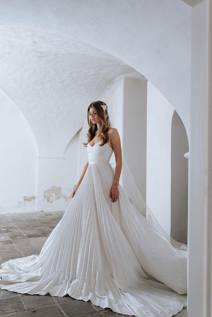 STUDIO LONA // Steeds meer zie ik bruidsparen die van tradities af komen en een bruiloft creëren ...