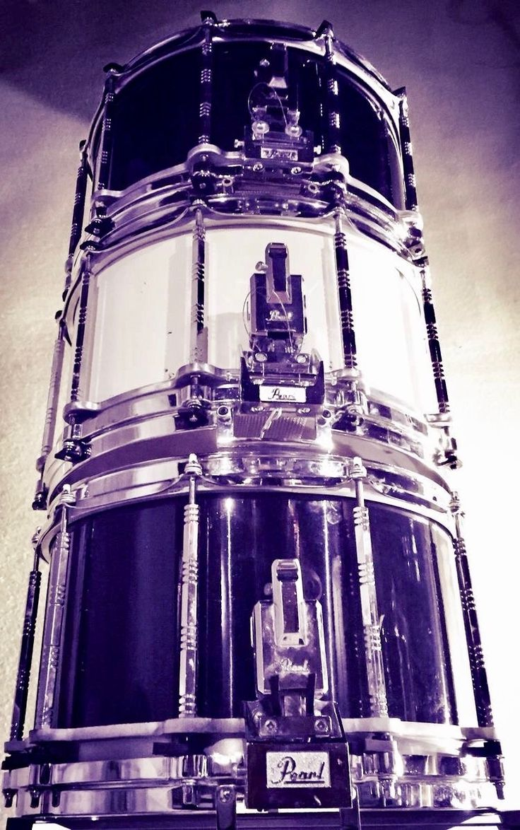 Pearl 14x8 Free Floating maple shell x 3. My tower of power!