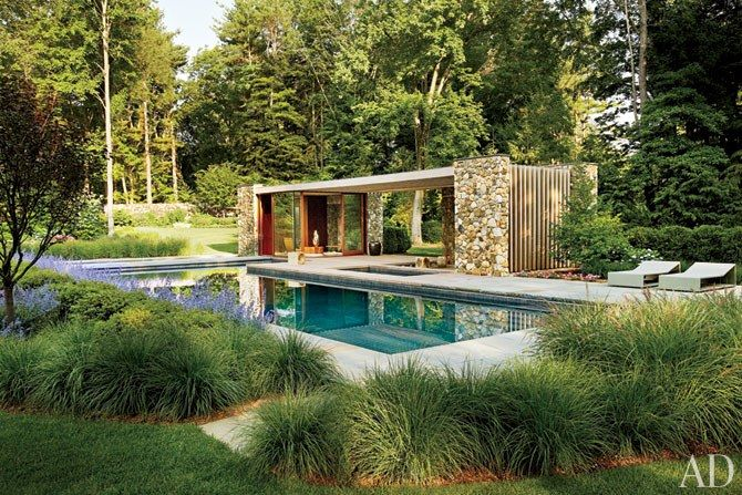A Contemporary Connecticut Poolhouse by SPaN Architects