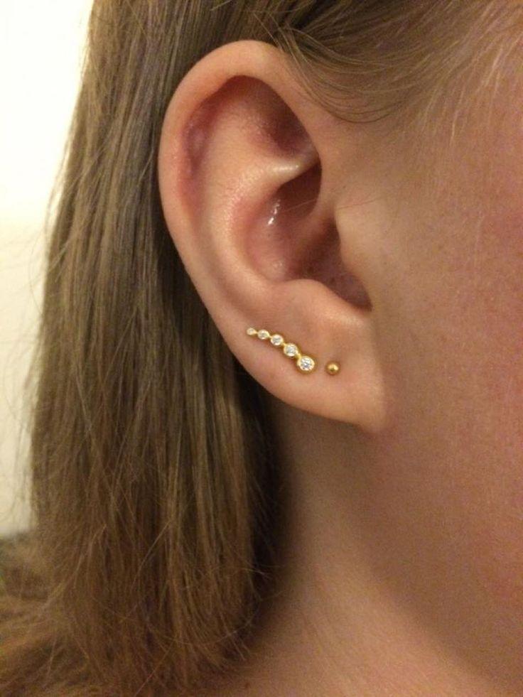 Selv minimalistiske og simple øreringe kan skabe det sidste touch på et outfit <3 Her er øreringen