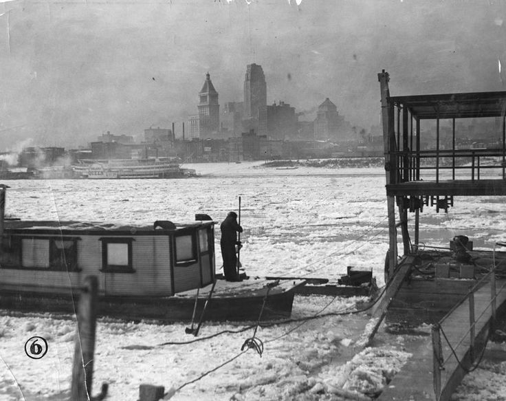 Ice in the Ohio River at Cincinnati, 1936.