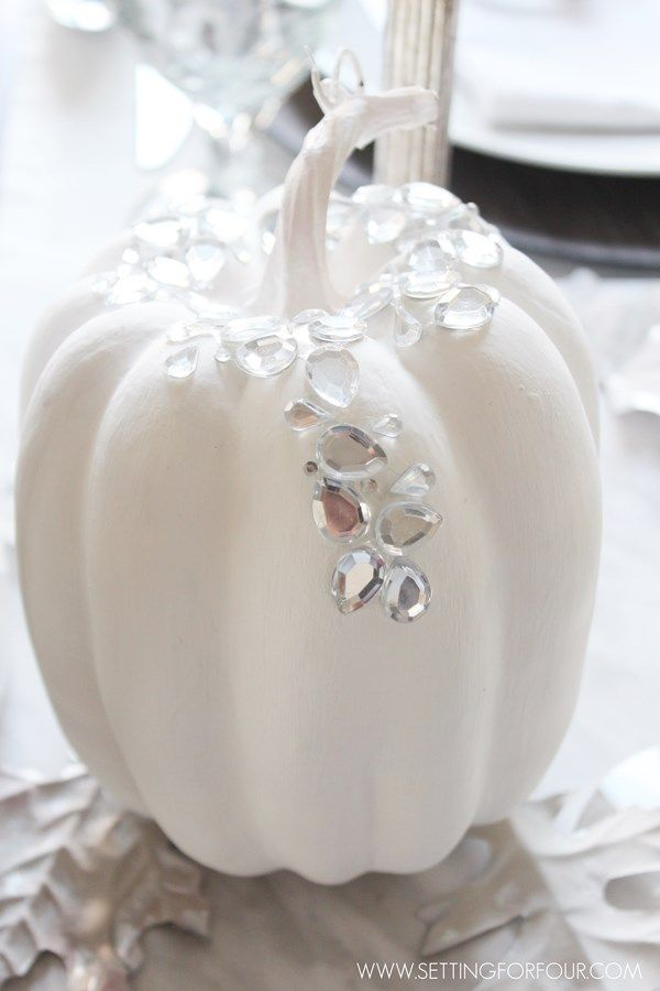 Easy DIY Glam pumpkins!! Budget friendly and so easy to make! See how I added these pretty sparkly pumpkins to my fall table!