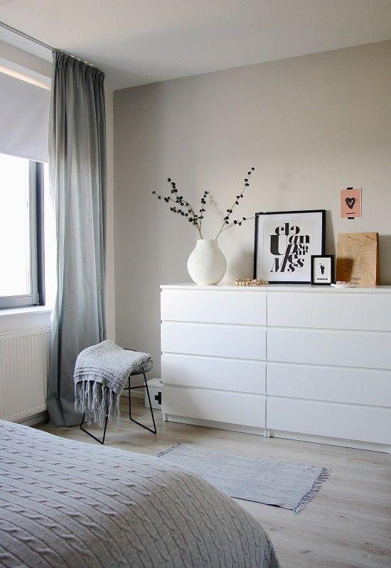 Фотография: Спальня в стиле Скандинавский, Современный, Интерьер комнат, системы хранения в спальне, гардеробная в спальне, идеи хранения для спальни, как хранить вещи в спальне – фото на InMyRoom.ru