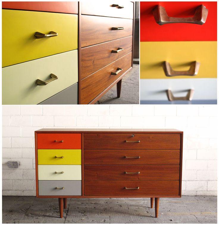 Esta Cajonera Van Beuren es el ejemplo perfecto de cómo los detalles de color pueden maximizar cada uno de tus espacios.