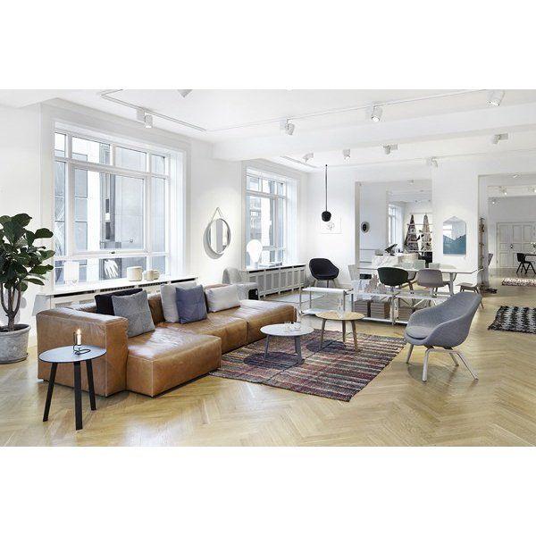 Le sofa modulable MAGS SOFT Combinaisons en CUIR aniline, coutures apparentes, par HAY : confortable, déco et design
