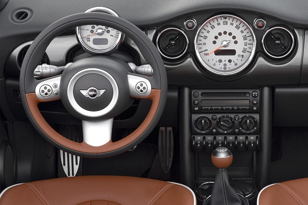 Mini Cooper Interior-This is the interior that I want, but automatic!!