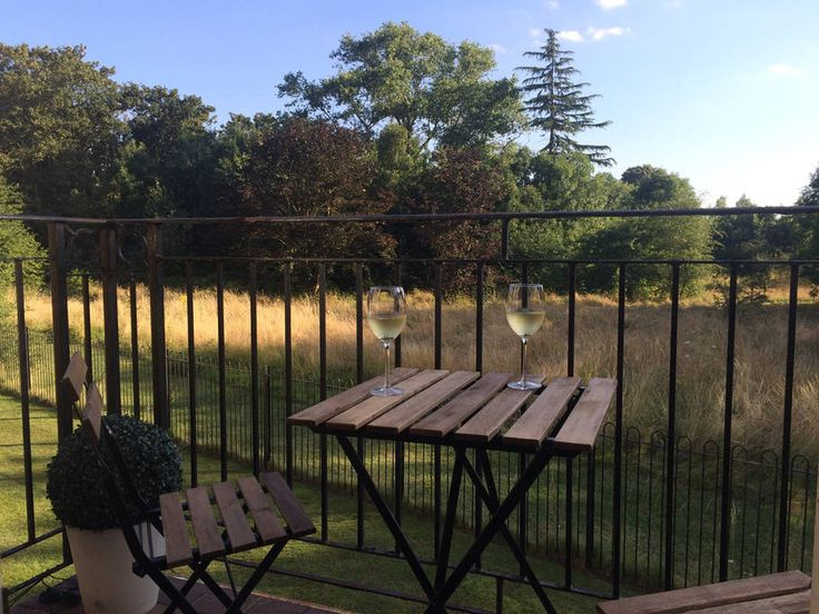 Check out this awesome listing on Airbnb: Riverside retreat with great links to London - Flats for Rent in Kingston upon Thames