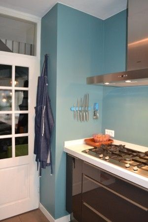 Mooie kleur histor perfect finish muurverf geordend interieur for Petrol verf
