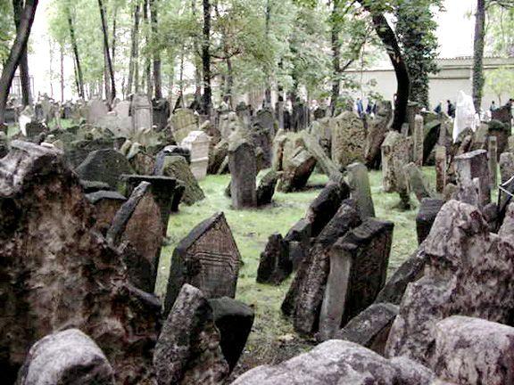 Old Jewish Cemetery in Josefov, the old Jewish quarter in Prague