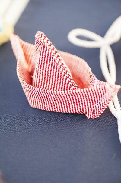 Στολισμός τραπέζι γάμου με θέμα θάλασσα καραβάκι