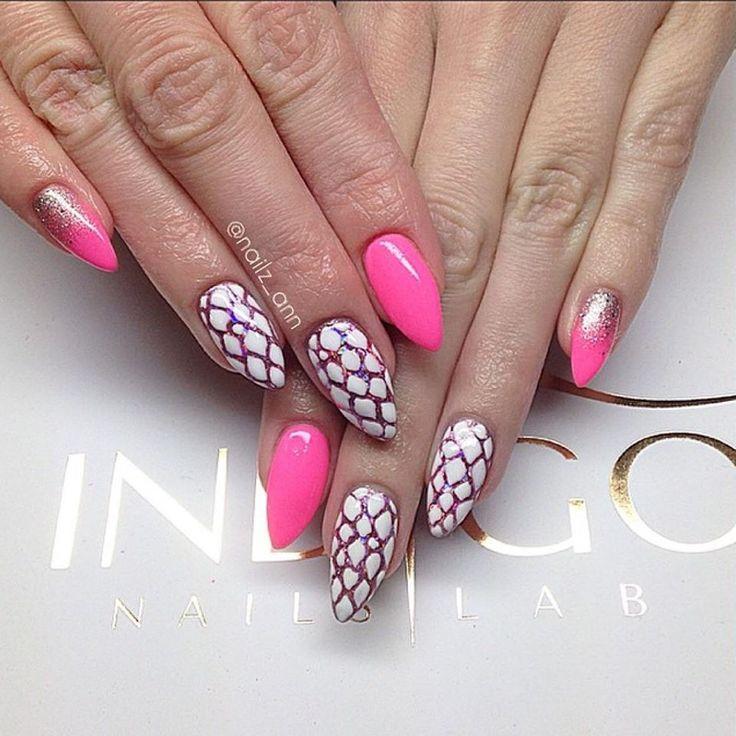 Ania Leśniewska Find more Inspiration at www.indigo-nails.com #nails #pink #manicure