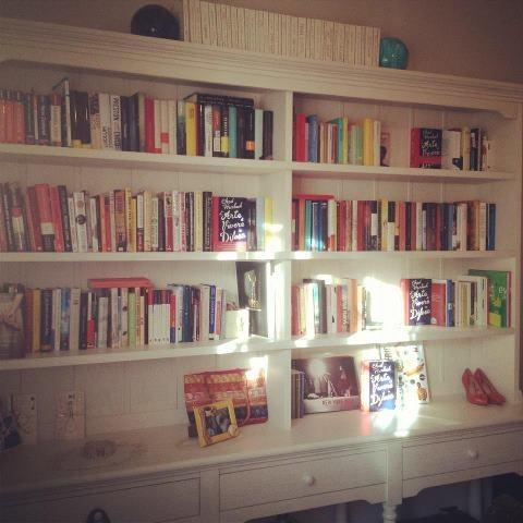 @RizzoliST (6th April 2012, 11:39am)  Forse in casa di qualcuno di noi ci sono troppe copie dell'ARTE DI VIVERE IN DIFESA #BooksAtHome #look4them :-)