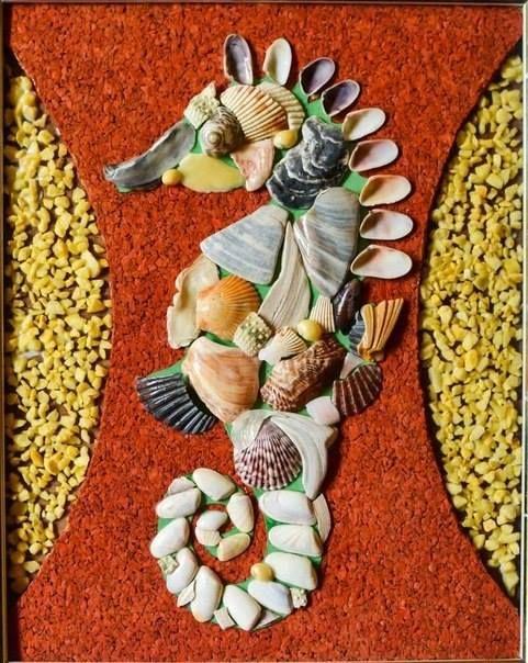 mořský koník z mušlí