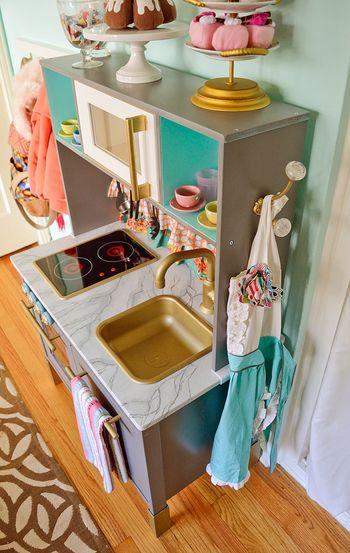 エプロンや、タオルをかけて本格的なキッチンに!