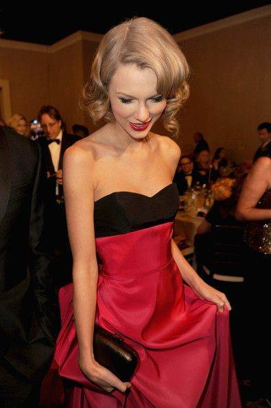 Taylor Swift - 71st Annual Golden Globe Awards - Cocktail Party