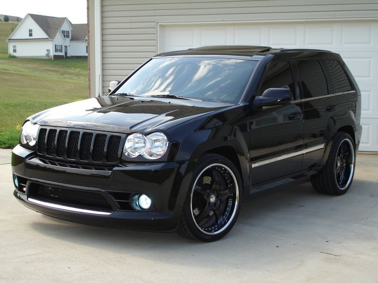 Love this body style of Jeep Cherokee's (2006-2009), also the TrailBlazer SS.