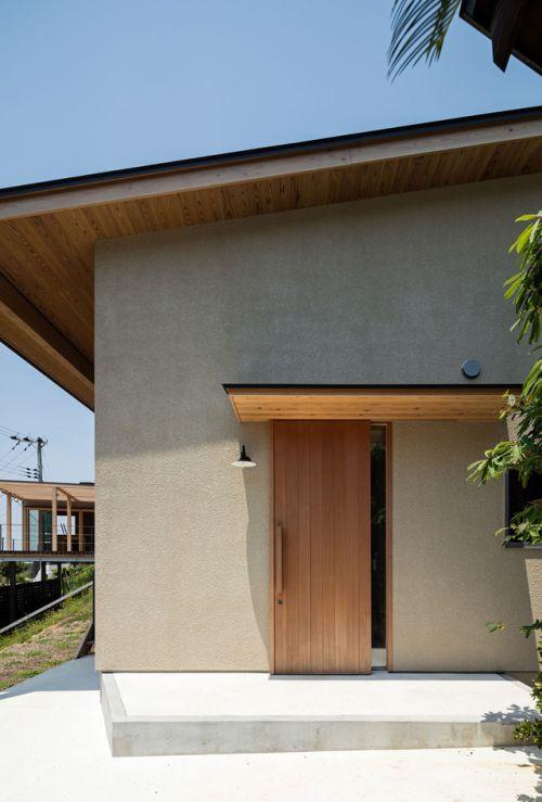 House in Shirahama / Kishimoto Himeno Architects Photos © Yohei Sasakura