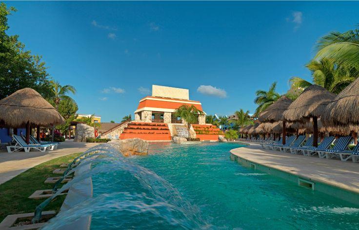 The pool at #IBEROSTARParaisoMaya shares the name as the hotel. #Mexico