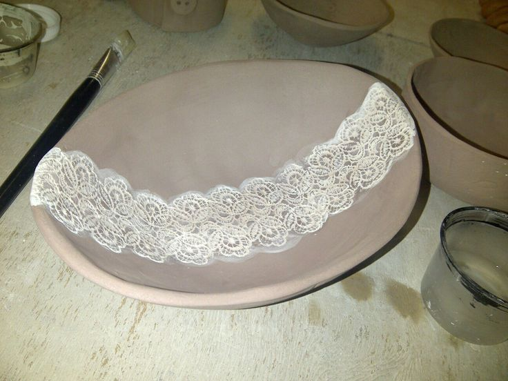 Lace detail bowl.