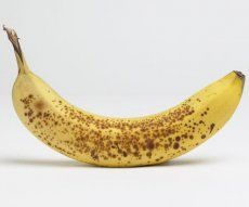 According to Japanese Scientific Research, full ripe banana with dark patches on yellow skin produces a substance called TNF (Tumor Necrosis Factor) which has the ability to combat abnormal cells. The more darker patches it has the higher will be its immunity enhancement quality; Hence, the riper the banana the better the anti-cancer quality. Yellow skin banana with dark spots on it is 8x more effective in enhancing the property of white blood cells than green skin version.