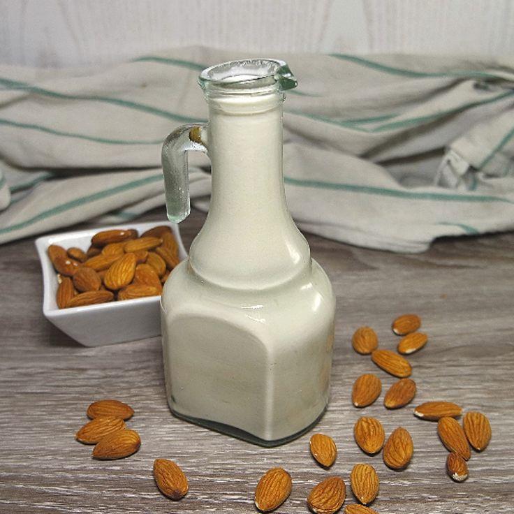 Fresco e sano, il latte di mandorla è perfetto anche per vegetariani, vegani e intolleranti al lattosio! (Ricetta di Maura Happylightlife)
